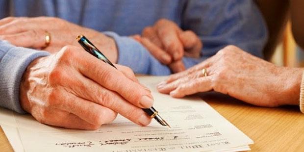 ¿Qué es mejor: hacer un testamento o una donación en vida?